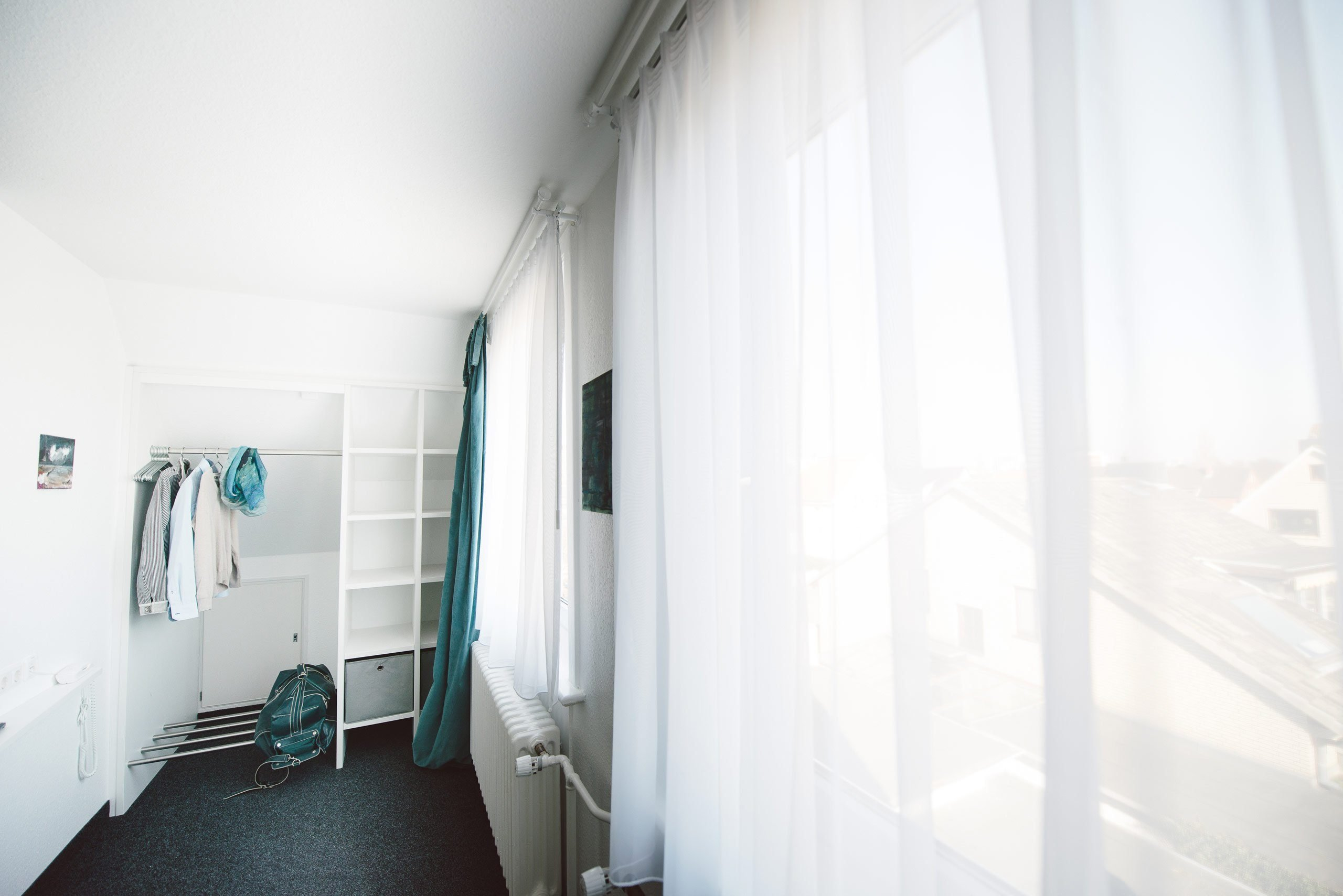 XL Zimmer: Wohnraum in einer Juniorsuite im meerzeit Hotel in Cuxhaven